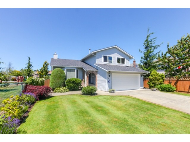 "Photo 2: 5247 BENTLEY Drive in Ladner: Hawthorne House for sale in ""HAWTHORNE"" : MLS(r) # V1128574"