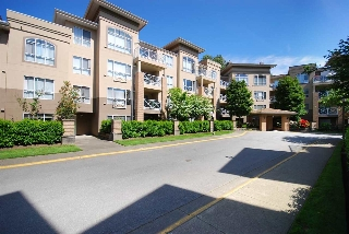 Main Photo: 113 2551 PARKVIEW Lane in Port Coquitlam: Central Pt Coquitlam Condo for sale : MLS® # R2068777