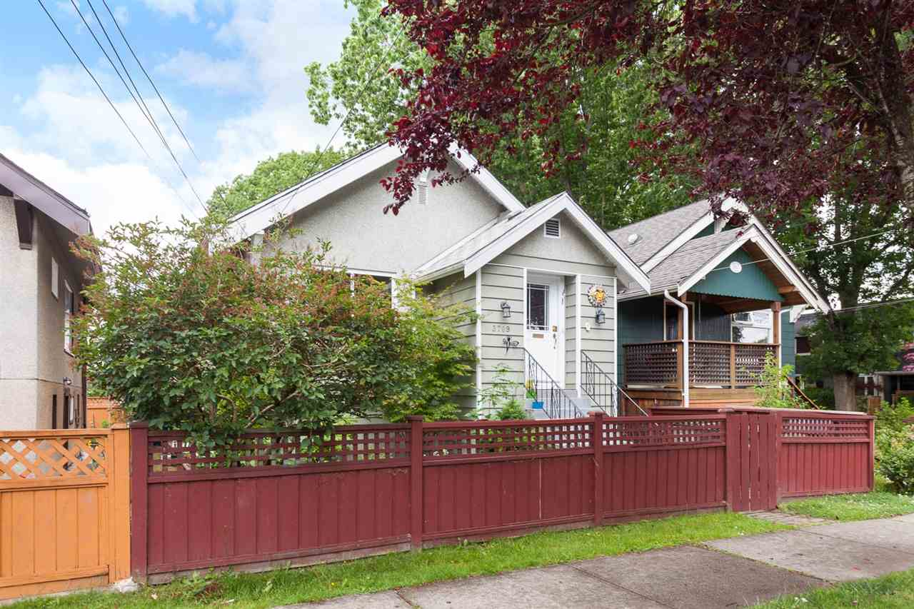 "Photo 18: 3709 WINDSOR Street in Vancouver: Fraser VE House for sale in ""CEDAR COTTAGE"" (Vancouver East)  : MLS® # R2087018"