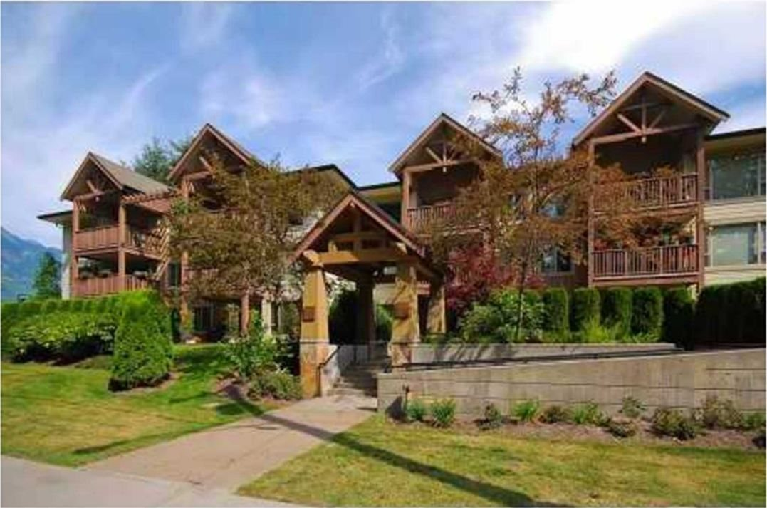 "Main Photo: 303 2323 MAMQUAM Road in Squamish: Garibaldi Highlands Condo for sale in ""The Symphony"" : MLS® # R2100603"