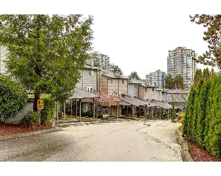 "Main Photo: 220 BALMORAL Place in Port Moody: North Shore Pt Moody Townhouse for sale in ""Balmoral Place"" : MLS(r) # R2125617"