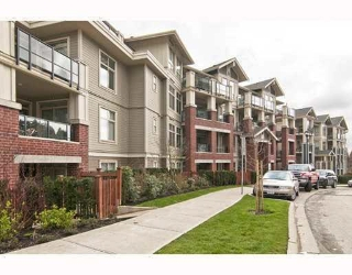 "Main Photo: 203 285 ROSS Drive in New Westminster: Fraserview NW Condo for sale in ""THE GROVE"" : MLS(r) # R2127941"