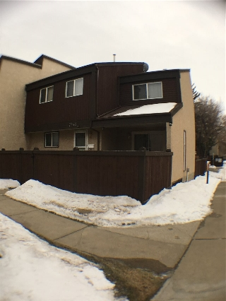 Main Photo: 7243 180 Street in Edmonton: Zone 20 Townhouse for sale : MLS(r) # E4050171