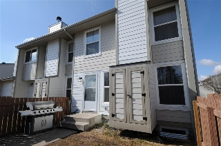 Main Photo: 7016 MILL WOODS Road S in Edmonton: Zone 29 Townhouse for sale : MLS(r) # E4058948