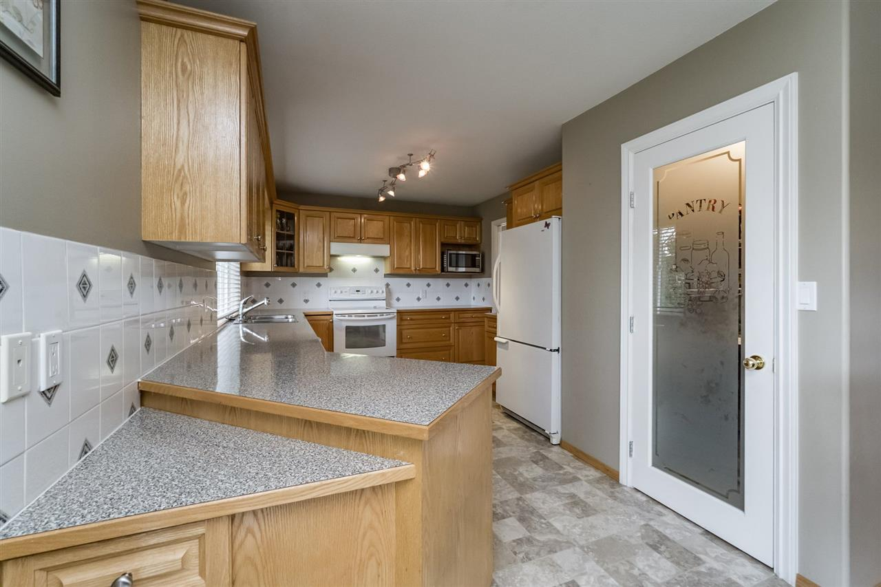 Photo 9: 6185 188 Street in Surrey: Cloverdale BC House for sale (Cloverdale)  : MLS(r) # R2156158