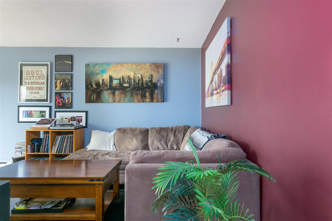 "Photo 3: 201 1396 BURNABY Street in Vancouver: West End VW Condo for sale in ""THE BRAMBLEBERRY"" (Vancouver West)  : MLS® # R2161536"