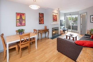 "Main Photo: PH 11 760 KINGSWAY Street in Vancouver: Fraser VE Condo for sale in ""Kingsgate Manor"" (Vancouver East)  : MLS®# R2168654"