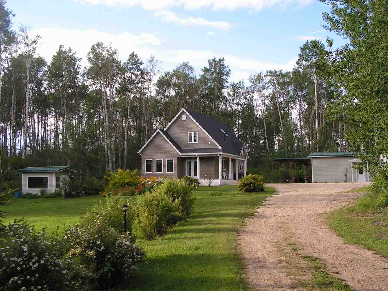 Main Photo: #18 2419 TWP Rd 545: Rural Lac Ste. Anne County House for sale : MLS® # E4065447