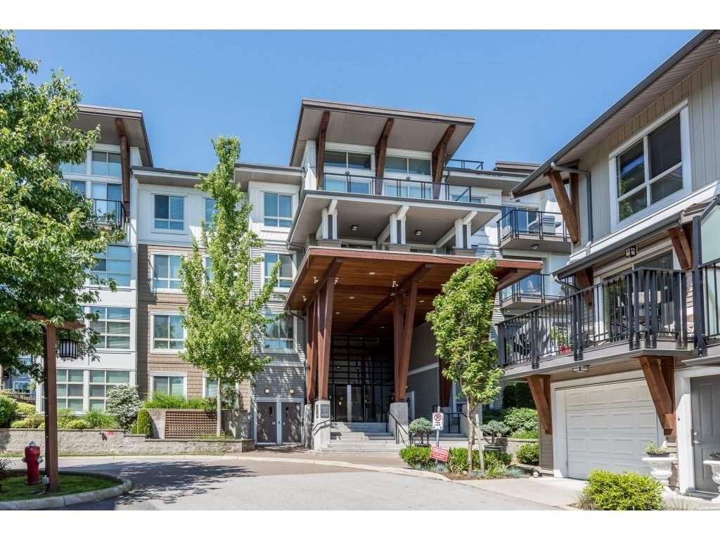Main Photo: 110 6688 120 STREET in Surrey: West Newton Condo for sale : MLS®# R2172029