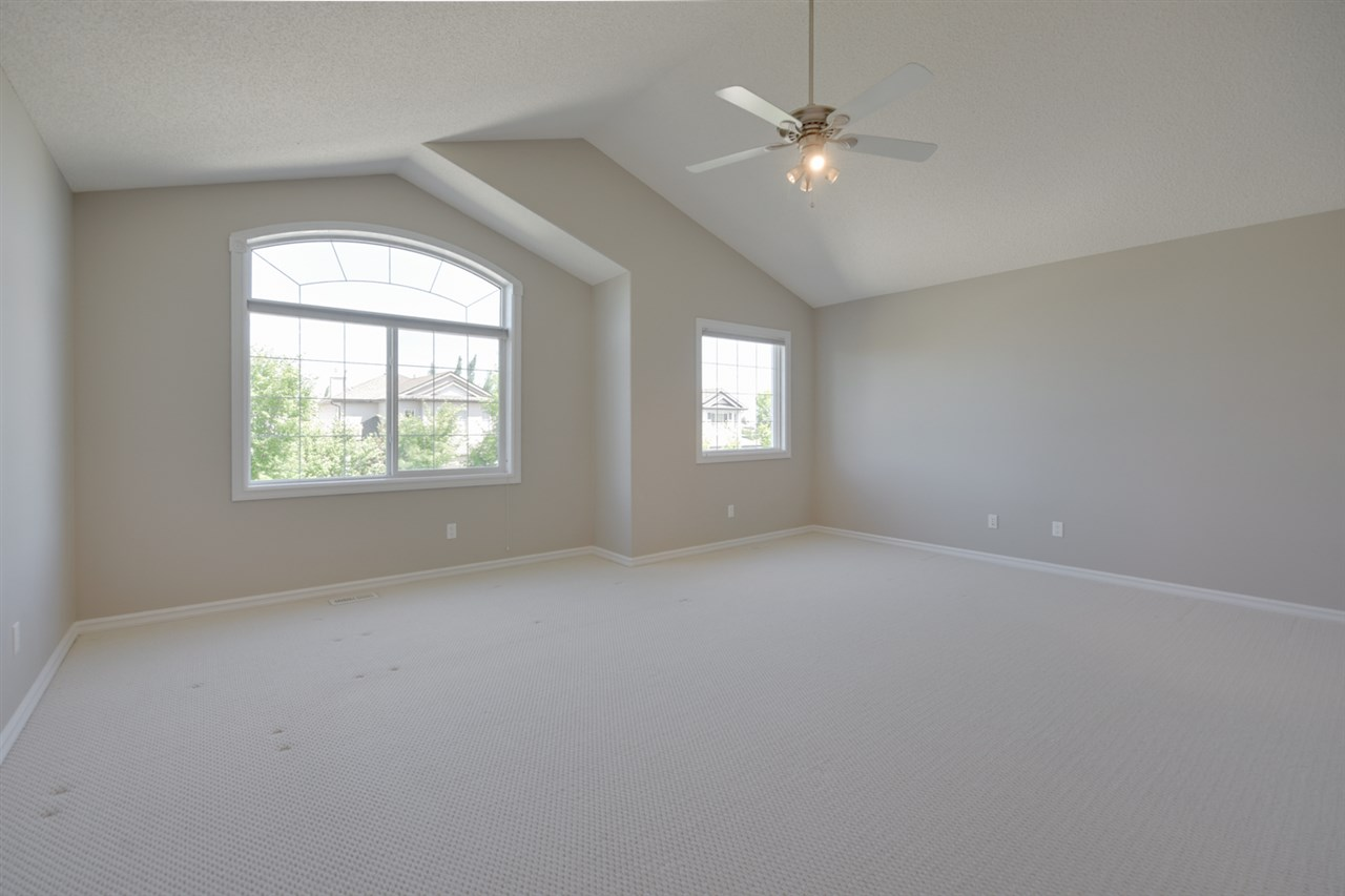 Huge Bonus Room, 2 Bedrooms with Xtra Large Closets and a King Size Master Suite