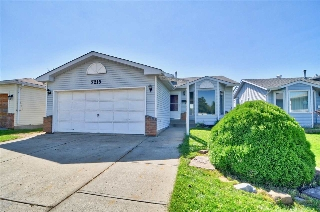 Main Photo: 7215 153A Avenue in Edmonton: Zone 28 House for sale : MLS® # E4077384