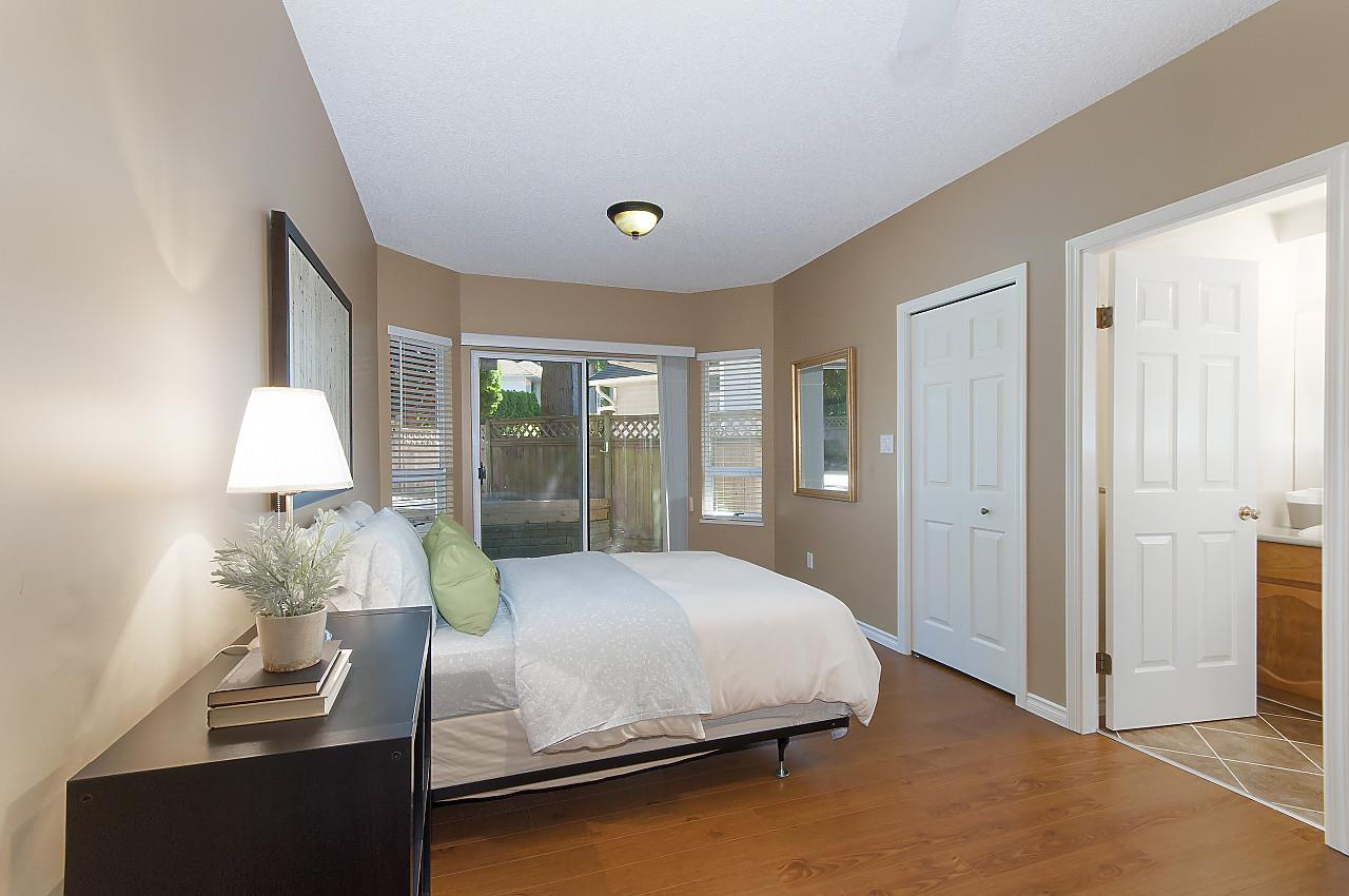 "Photo 21: 12228 SOUTHPARK Crescent in Surrey: Panorama Ridge House for sale in ""BOUNDARY PARK"" : MLS® # R2196704"