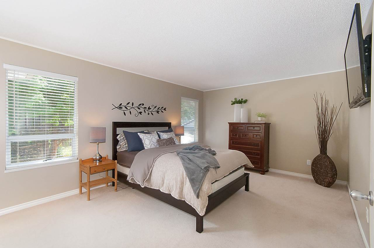 "Photo 24: 12228 SOUTHPARK Crescent in Surrey: Panorama Ridge House for sale in ""BOUNDARY PARK"" : MLS® # R2196704"