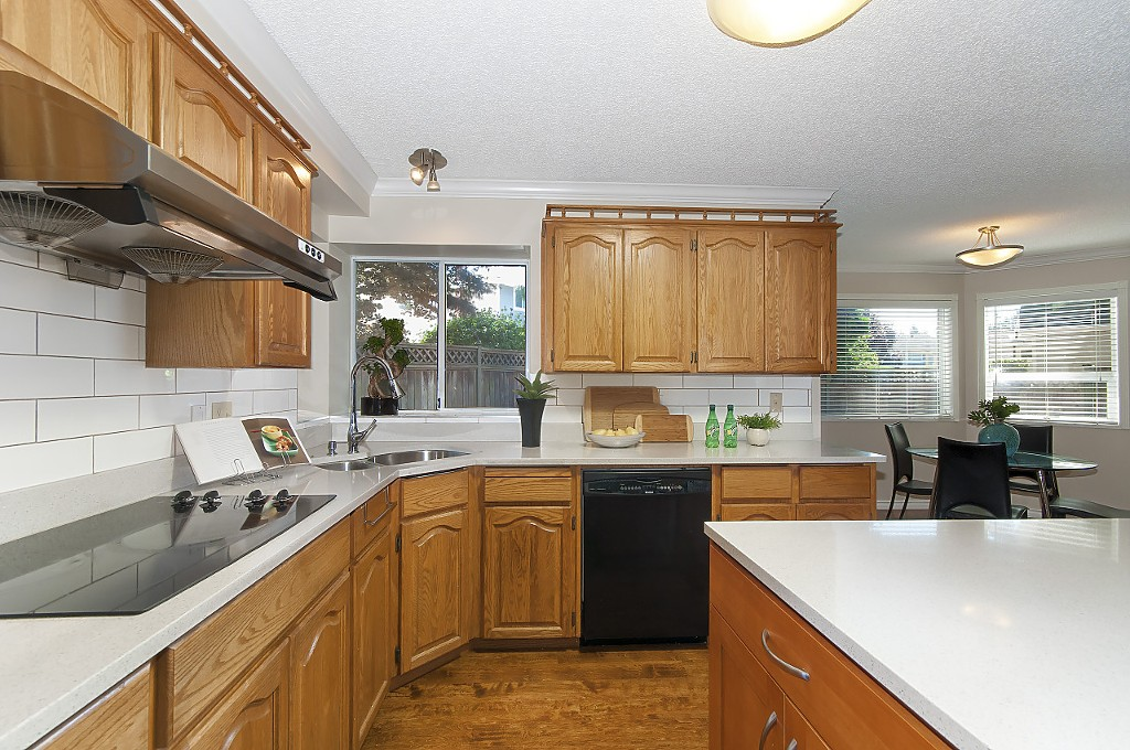 "Photo 15: 12228 SOUTHPARK Crescent in Surrey: Panorama Ridge House for sale in ""BOUNDARY PARK"" : MLS® # R2196704"