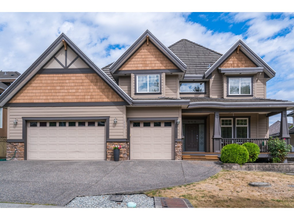 "Main Photo: 16447 92A Avenue in Surrey: Fleetwood Tynehead House for sale in ""TYNERIDGE ESTATES"" : MLS® # R2197793"