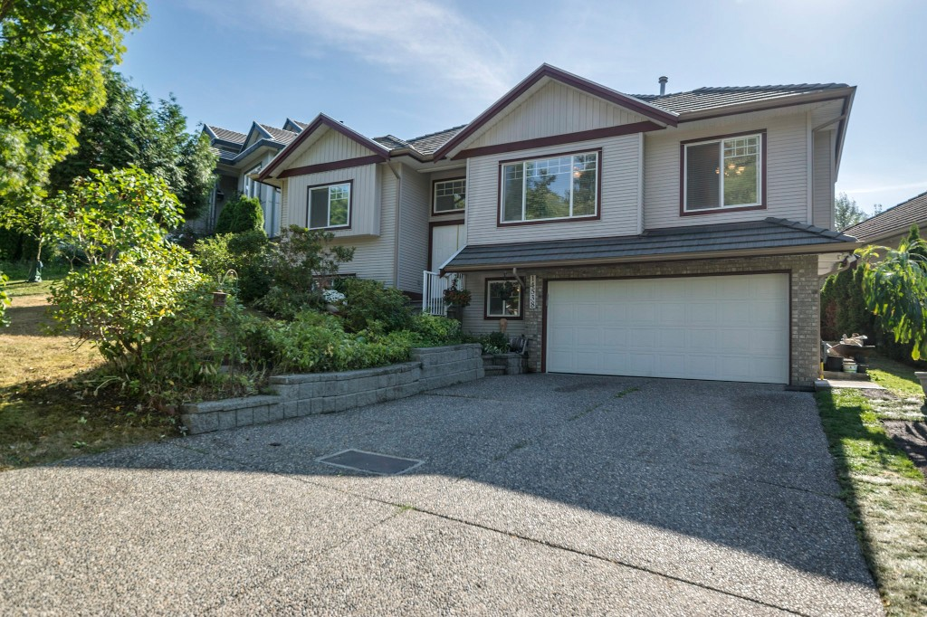 "Photo 3: 14538 78 Avenue in Surrey: East Newton House for sale in ""Chimney Heights"" : MLS® # R2198322"