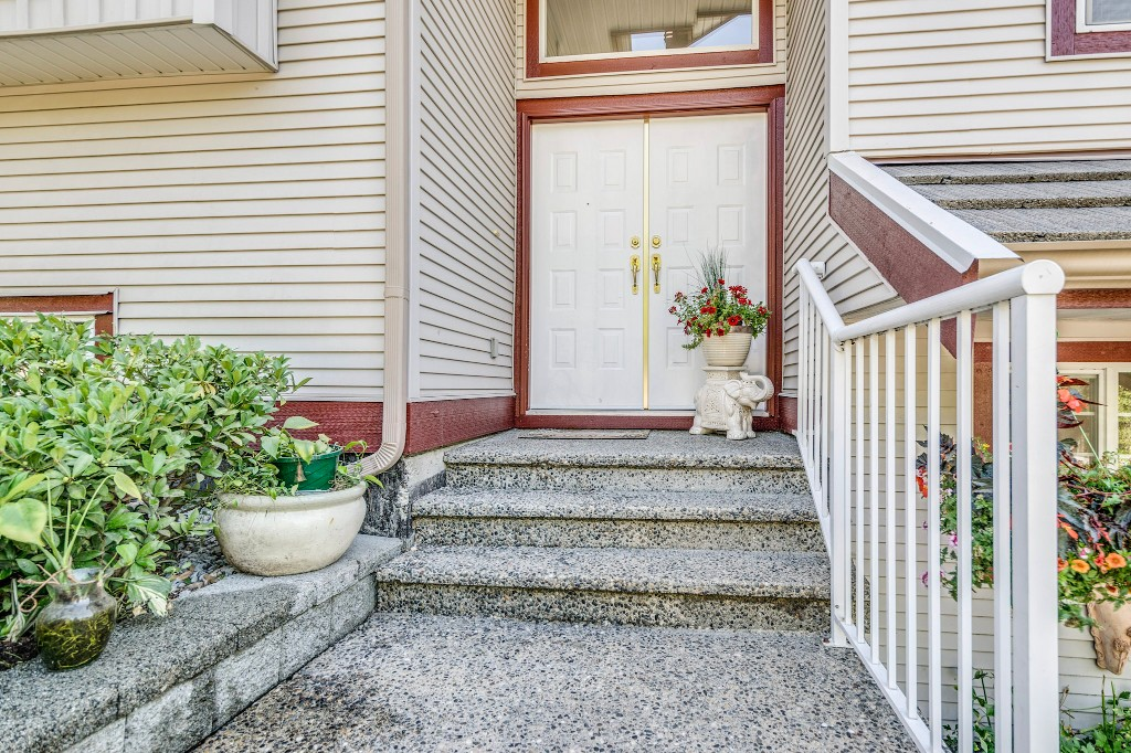 "Photo 5: 14538 78 Avenue in Surrey: East Newton House for sale in ""Chimney Heights"" : MLS® # R2198322"