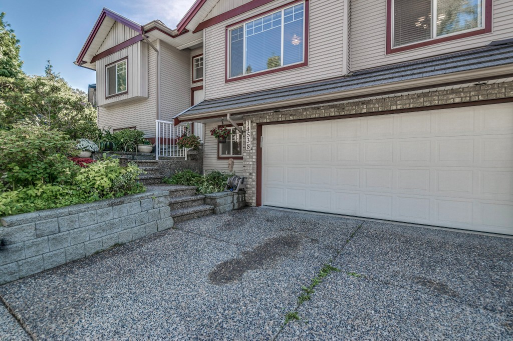 "Photo 4: 14538 78 Avenue in Surrey: East Newton House for sale in ""Chimney Heights"" : MLS® # R2198322"