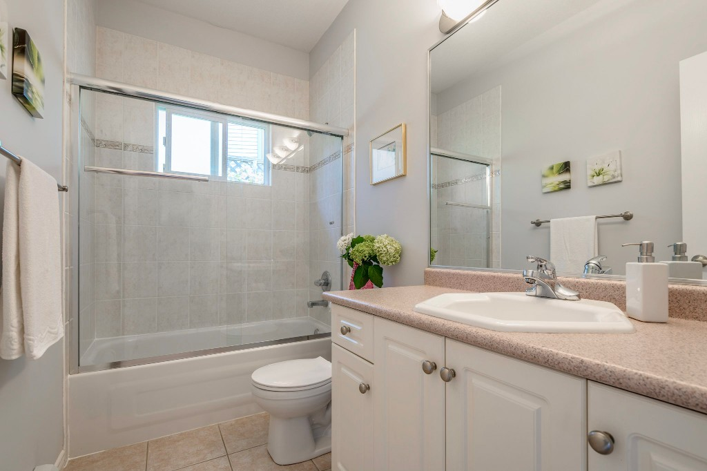 "Photo 27: 14538 78 Avenue in Surrey: East Newton House for sale in ""Chimney Heights"" : MLS® # R2198322"