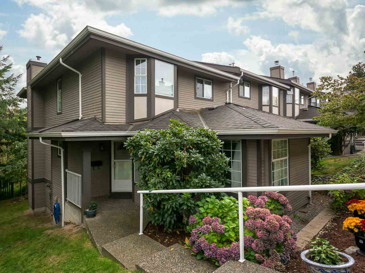 "Main Photo: 182 1140 CASTLE Crescent in Port Coquitlam: Citadel PQ Townhouse for sale in ""THE UPLANDS"" : MLS®# R2206829"