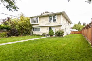 Main Photo: 17775 59A Avenue in Surrey: Cloverdale BC House 1/2 Duplex for sale (Cloverdale)  : MLS®# R2305485