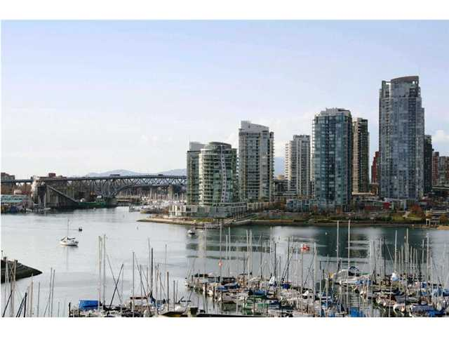 "Main Photo: 1003 522 MOBERLY Road in Vancouver: False Creek Condo for sale in ""DISCOVERY QUAY"" (Vancouver West)  : MLS®# V873931"