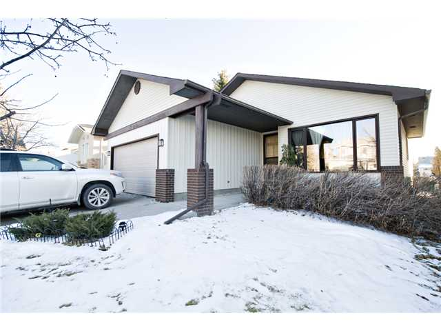 FEATURED LISTING: 43 EDFORTH Way Northwest CALGARY