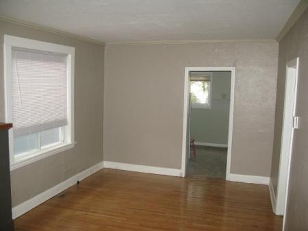 Photo 6: Photos: 260 MARTIN Avenue West in Winnipeg: Residential for sale (Elmwood)  : MLS® # 1119108