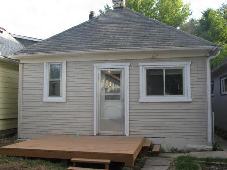 Photo 2: Photos: 260 MARTIN Avenue West in Winnipeg: Residential for sale (Elmwood)  : MLS® # 1119108