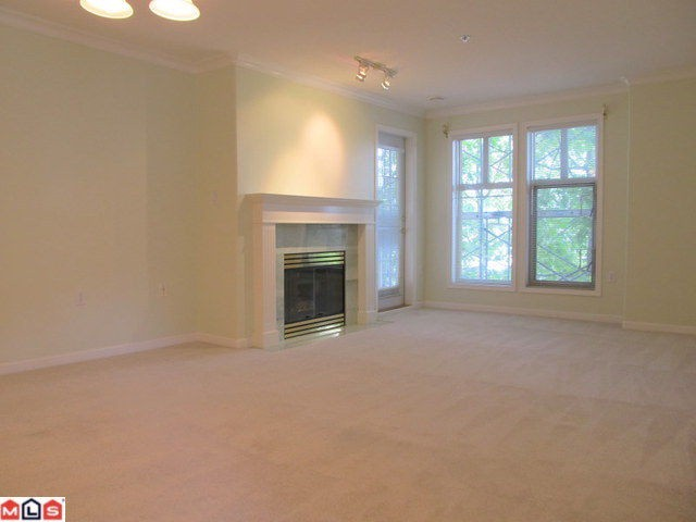 Photo 5: 201 15350 19A Avenue in Surrey: King George Corridor Condo for sale (South Surrey White Rock)  : MLS(r) # F1122051