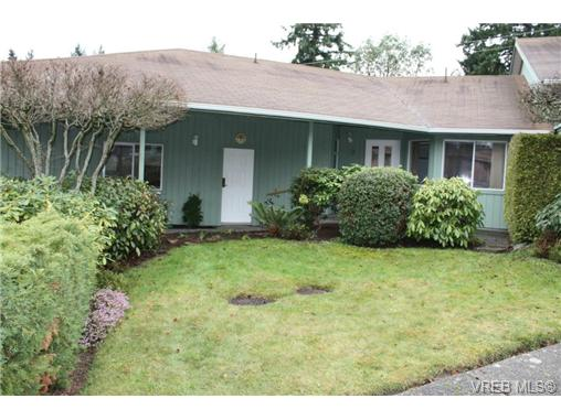 Main Photo: 9 130 Corbett Road in SALT SPRING ISLAND: GI Salt Spring Townhouse for sale (Gulf Islands)  : MLS®# 332412