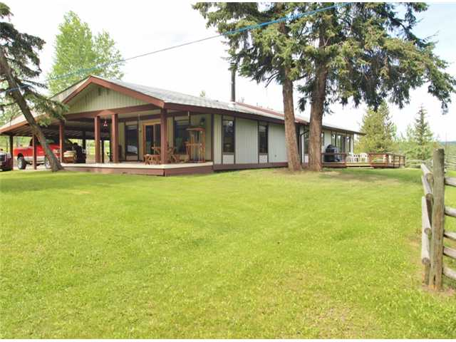 Main Photo: 5928 THORSTEINSON Road: Forest Grove House for sale (100 Mile House (Zone 10))  : MLS® # N237138
