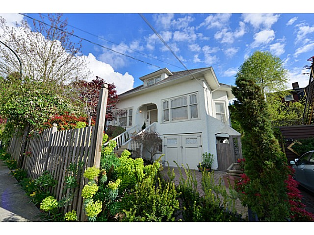 "Main Photo: 2656 W 3RD Avenue in Vancouver: Kitsilano House for sale in ""NORTH OF 4TH"" (Vancouver West)  : MLS(r) # V1072371"