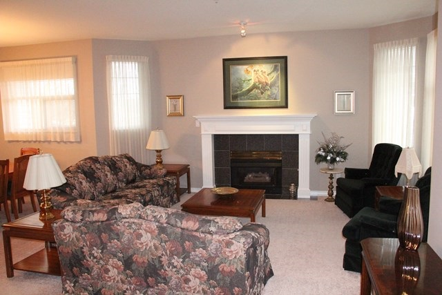 "Photo 2: 11 5708 208 Street in Langley: Langley City Townhouse for sale in ""Bridle Run"" : MLS(r) # R2029125"