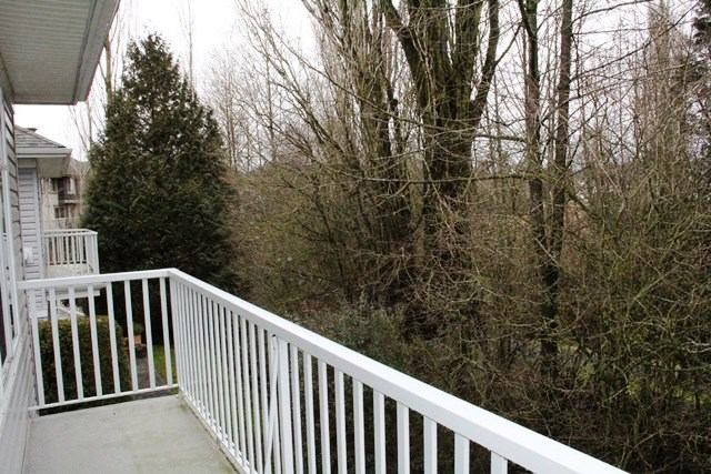 "Photo 10: 11 5708 208 Street in Langley: Langley City Townhouse for sale in ""Bridle Run"" : MLS(r) # R2029125"