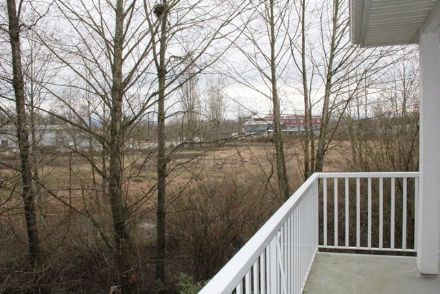 "Photo 9: 11 5708 208 Street in Langley: Langley City Townhouse for sale in ""Bridle Run"" : MLS(r) # R2029125"