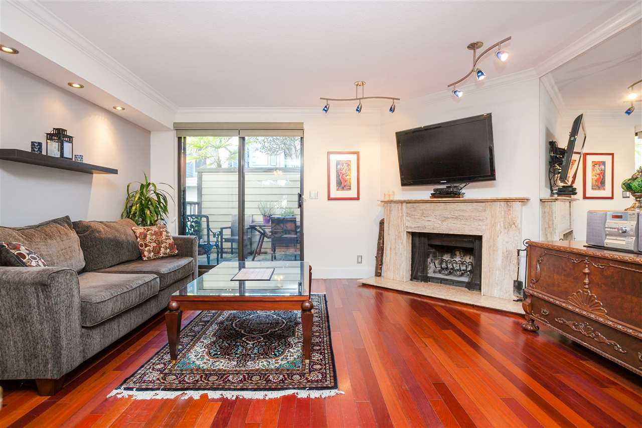 "Main Photo: 6 1266 W 6TH Avenue in Vancouver: Fairview VW Townhouse for sale in ""Camden Court"" (Vancouver West)  : MLS® # R2033038"