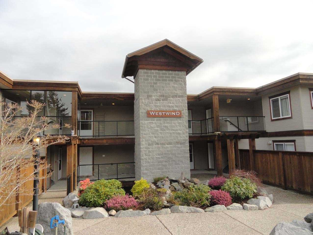 Photo 1: Photos: 303W 5780 TRAIL Avenue in Sechelt: Sechelt District Condo for sale (Sunshine Coast)  : MLS® # R2079015