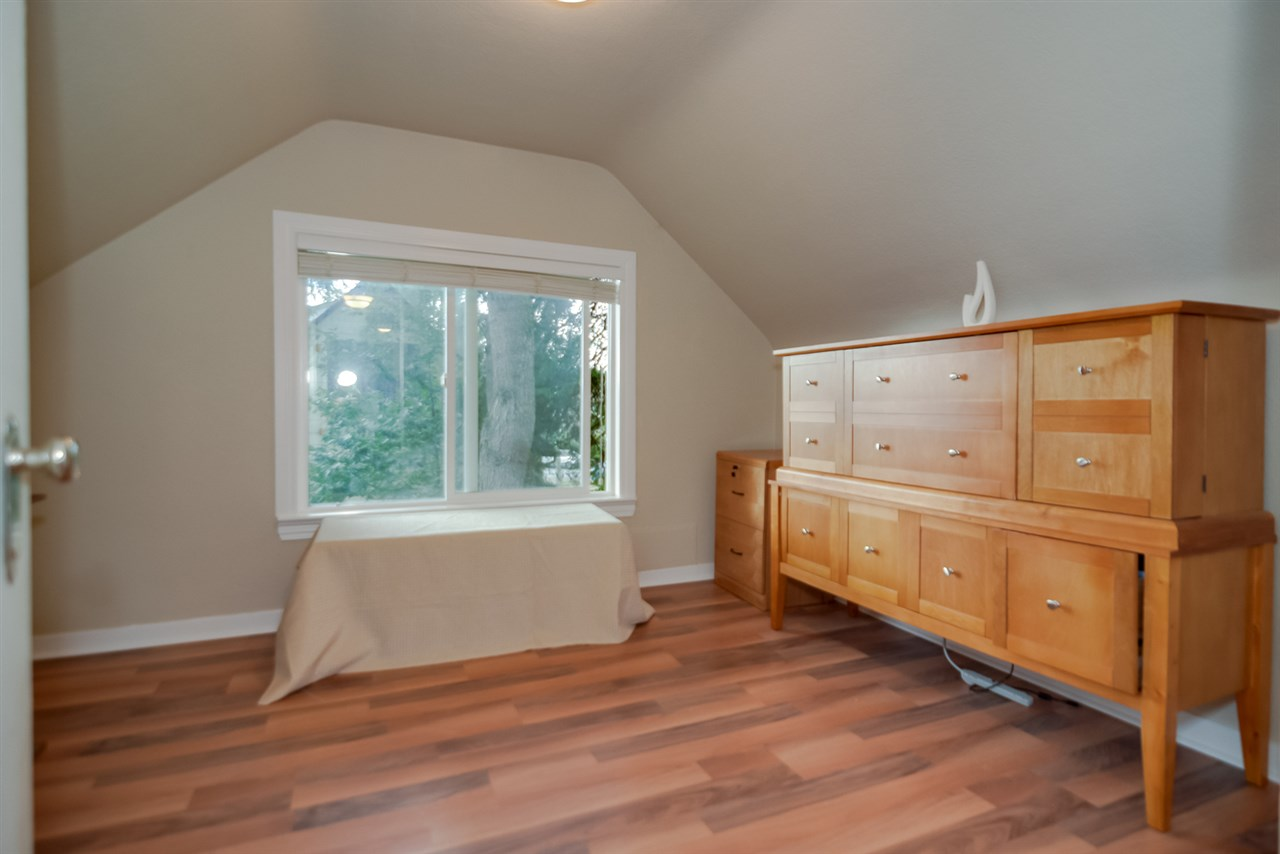 Photo 9: 21666 MOUNTAINVIEW Crescent in Maple Ridge: West Central House for sale : MLS® # R2102654