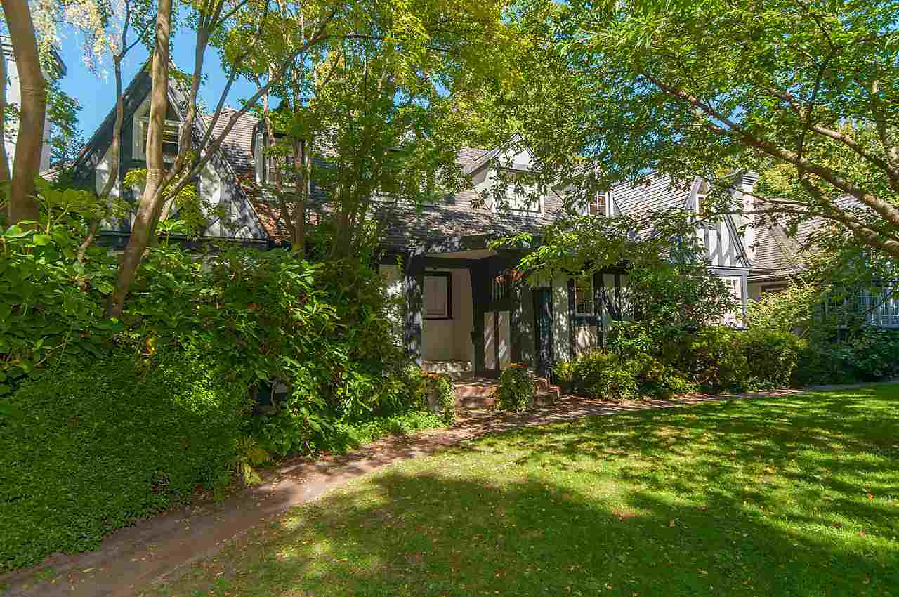 "Main Photo: 1 1820 BAYSWATER Street in Vancouver: Kitsilano Townhouse for sale in ""TATLOW COURT"" (Vancouver West)  : MLS(r) # R2111022"