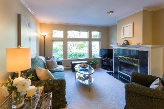 Main Photo: 310 W 11TH Avenue in Vancouver: Mount Pleasant VW Townhouse for sale (Vancouver West)  : MLS(r) # R2112111