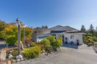 Main Photo: 6169 MIKA Road in Sechelt: Sechelt District House for sale (Sunshine Coast)  : MLS® # R2112490