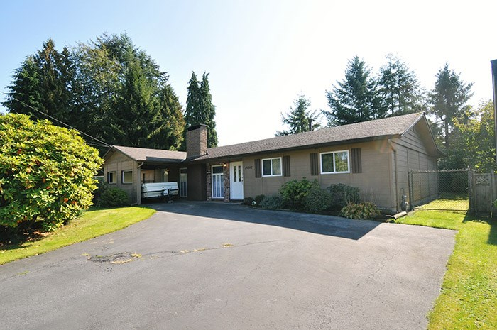 Main Photo: 19562 117 Avenue in Pitt Meadows: South Meadows House for sale : MLS®# R2113146