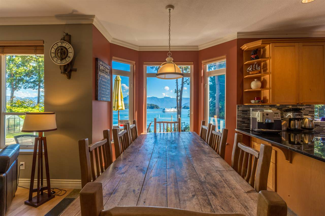 "Photo 4: Photos: 1454 SMITH Road in Gibsons: Gibsons & Area House for sale in ""LANGDALE"" (Sunshine Coast)  : MLS® # R2133101"