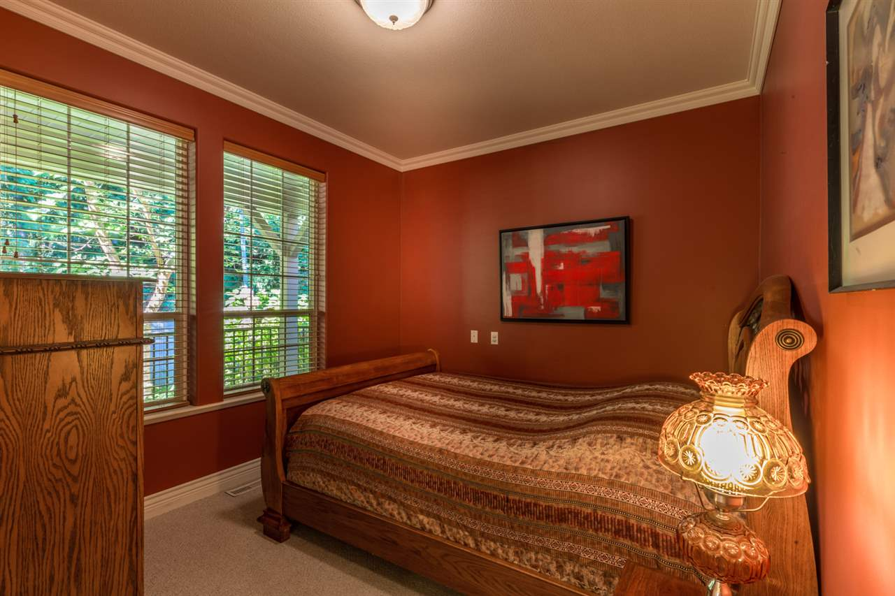 "Photo 11: Photos: 1454 SMITH Road in Gibsons: Gibsons & Area House for sale in ""LANGDALE"" (Sunshine Coast)  : MLS® # R2133101"