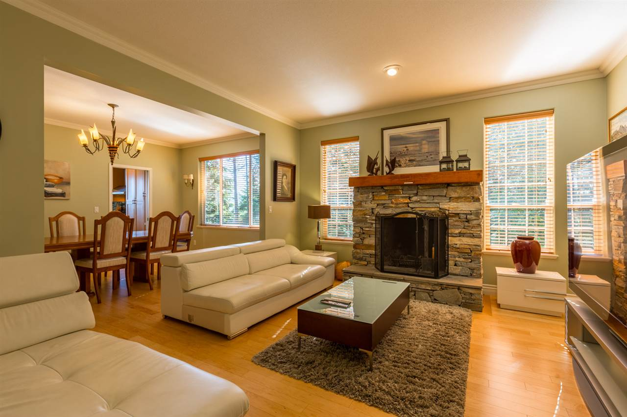 "Photo 17: Photos: 1454 SMITH Road in Gibsons: Gibsons & Area House for sale in ""LANGDALE"" (Sunshine Coast)  : MLS® # R2133101"