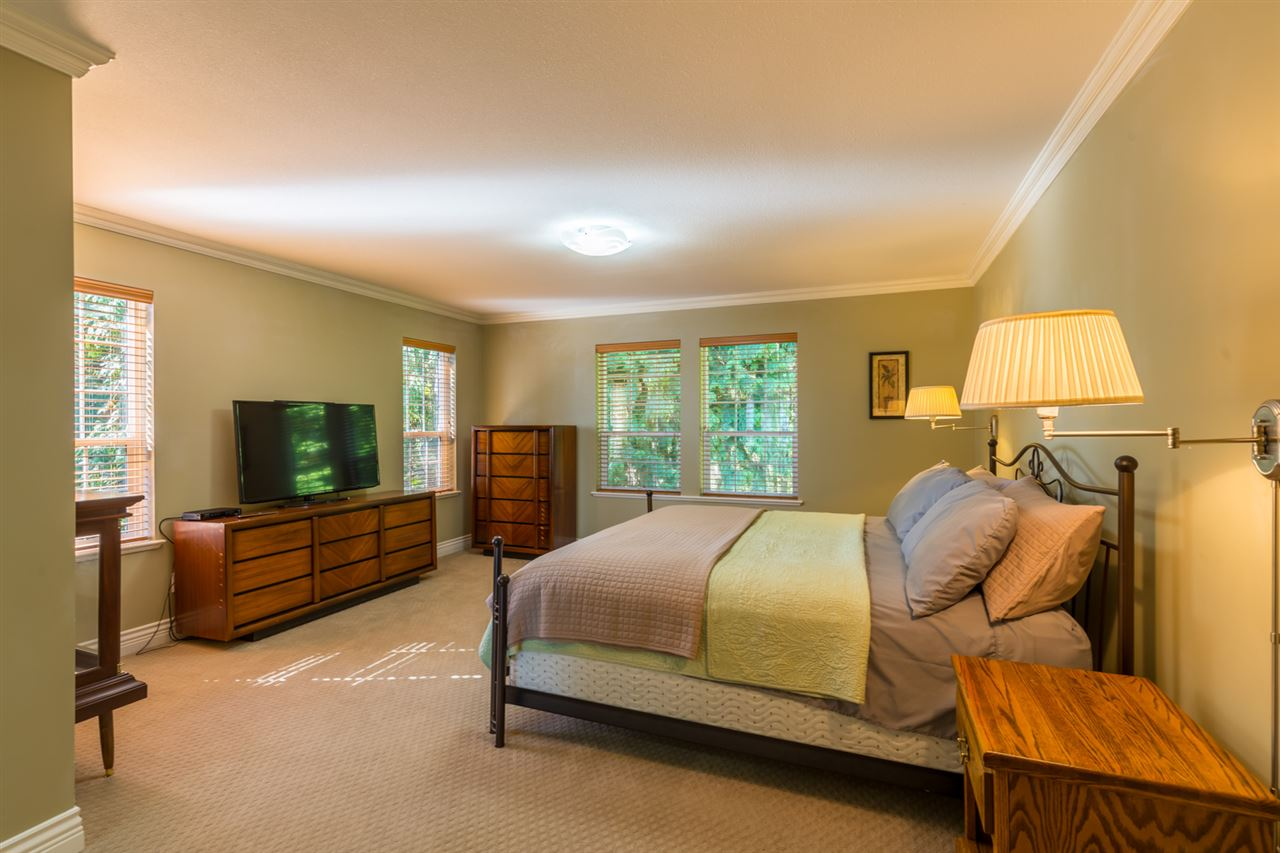 "Photo 8: Photos: 1454 SMITH Road in Gibsons: Gibsons & Area House for sale in ""LANGDALE"" (Sunshine Coast)  : MLS® # R2133101"