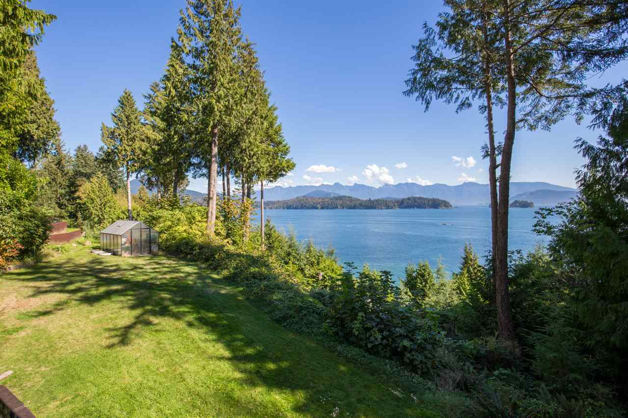 "Photo 2: Photos: 1454 SMITH Road in Gibsons: Gibsons & Area House for sale in ""LANGDALE"" (Sunshine Coast)  : MLS® # R2133101"
