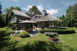 Main Photo: 1700 MACDONALD Place in Squamish: Brackendale House for sale : MLS(r) # R2147819