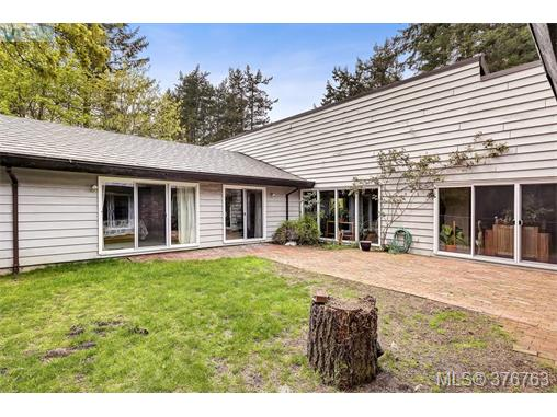 Photo 18: 4497 Cottontree Lane in VICTORIA: SE Broadmead Single Family Detached for sale (Saanich East)  : MLS(r) # 376763